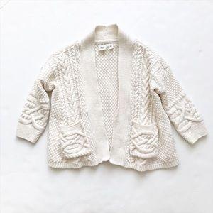 Gapkids Ivory cable knit sweater EUC  XS(4-5T)